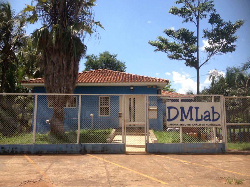 DMLab - Banner foto da entrada